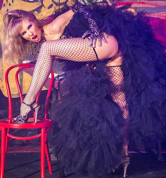 hat Big Black Dress - Dinah_Might